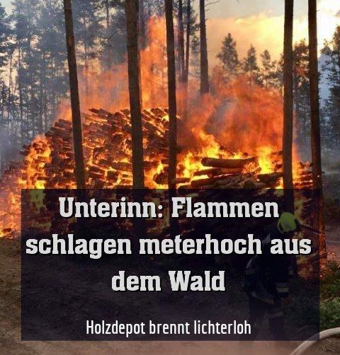 Holzdepot brennt lichterloh