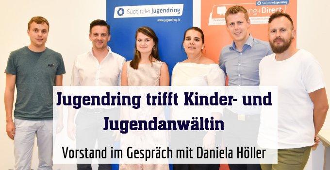 Vorstand im Gespräch mit Daniela Höller