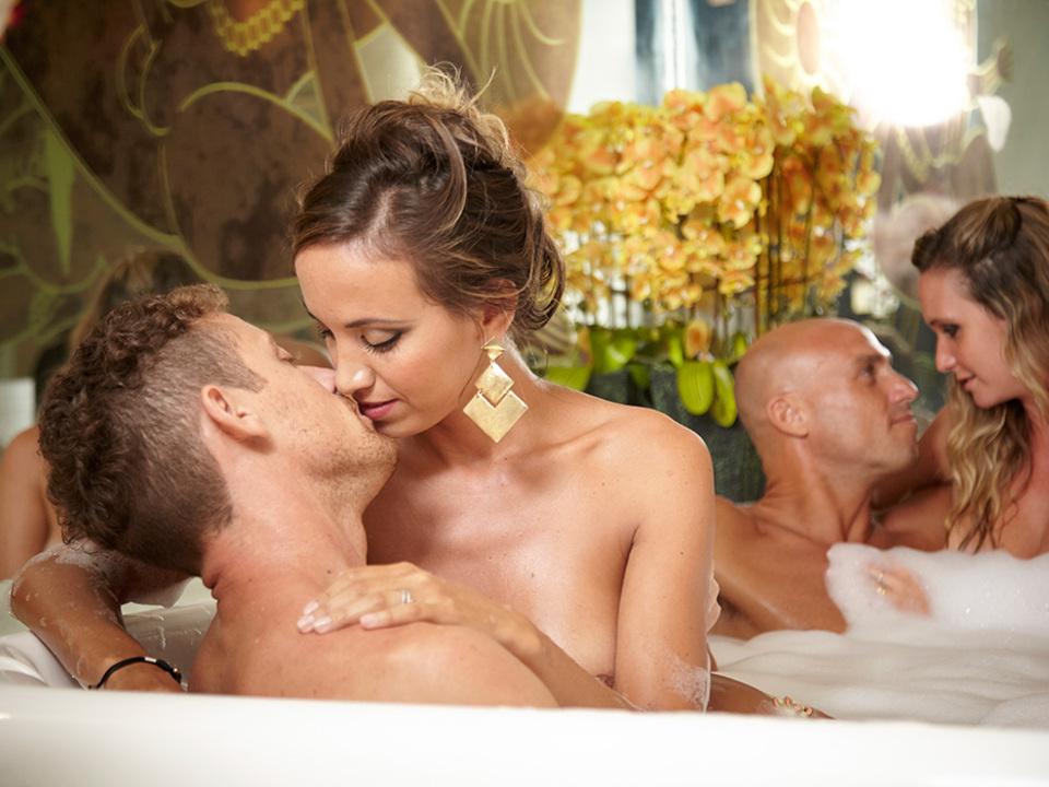 6-desire-cruises-couples-jacuzzi