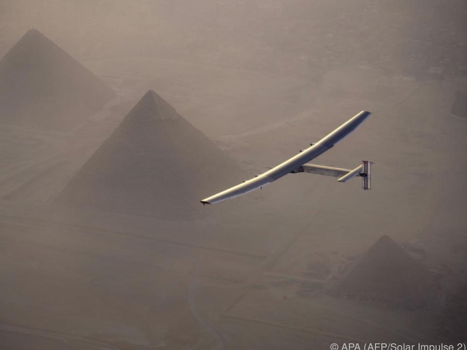 Der Sonnenflieger ist auf dem Weg von Kairo Richtung Abu Dhabi