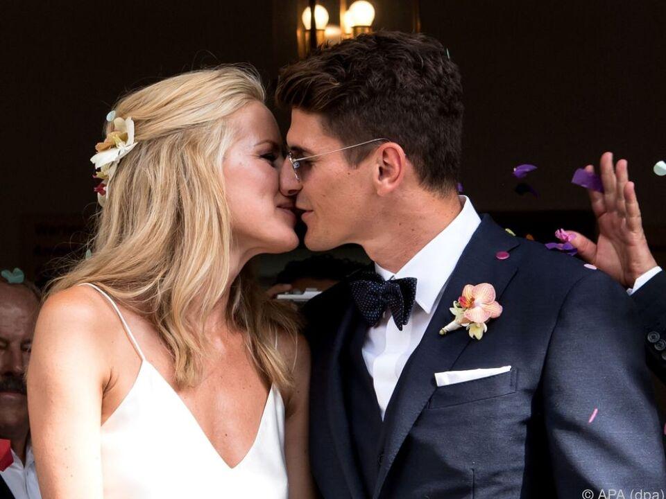 Die Hochzeitsfeier wurde am Samstag in einem Münchner Lokal nachgeholt