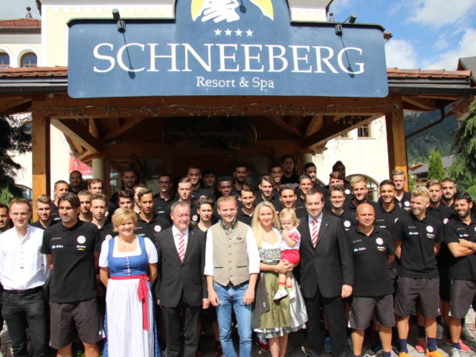 FCS Mannschaft 2016 Familie Kruselburger Hotel Schneeberg