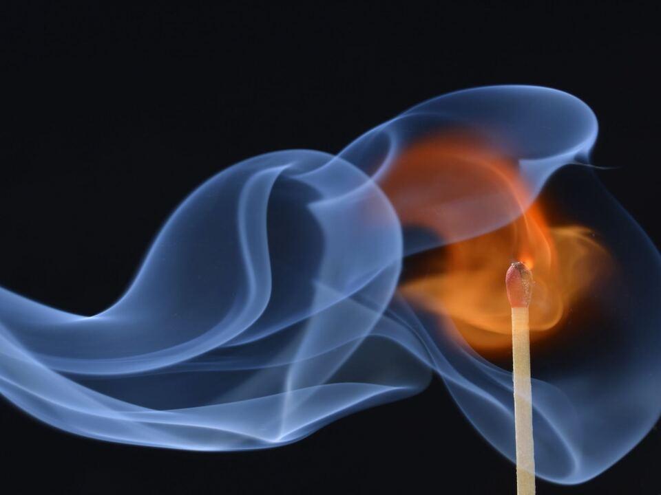 feuer brandstiftung streichholz