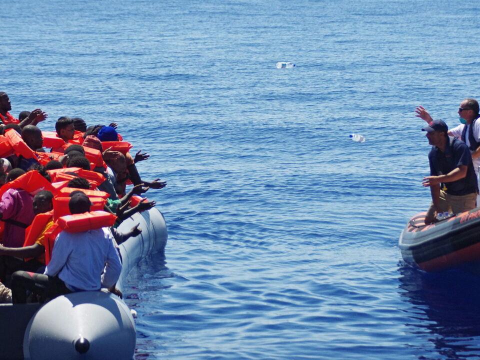 flüchtling mittelmeer boot
