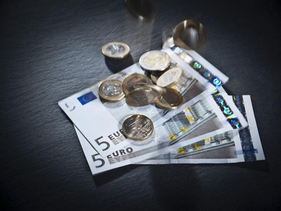 geld_inflation_kosten_finanzierung_euro_muenzen_haushalt_apa-pd_28