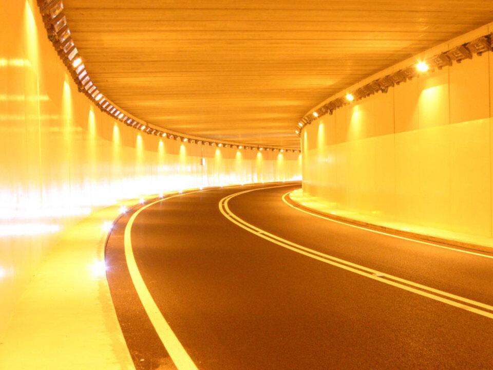 lpa-tunnel-beleuchtet_05