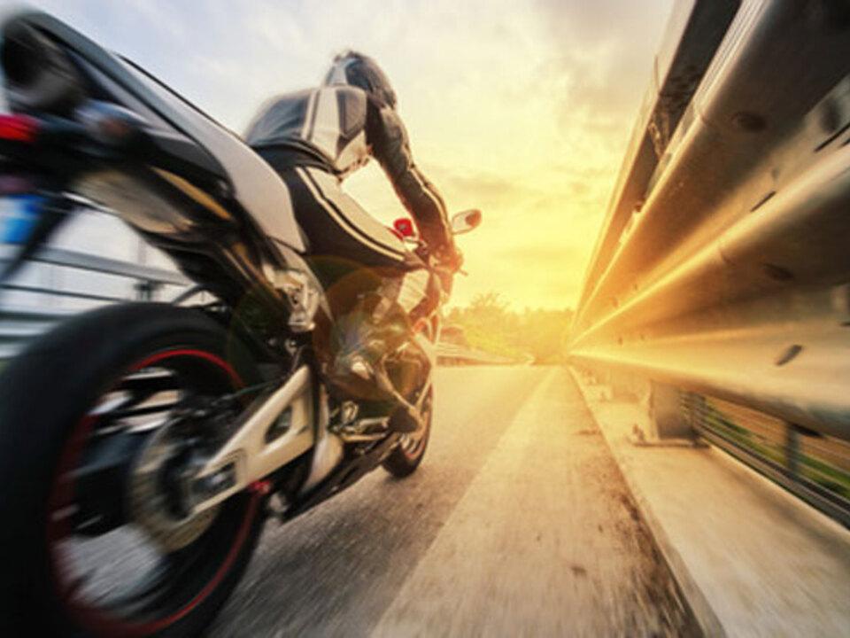 moto-raser-Giorgio_Pulcini-fotolia_03