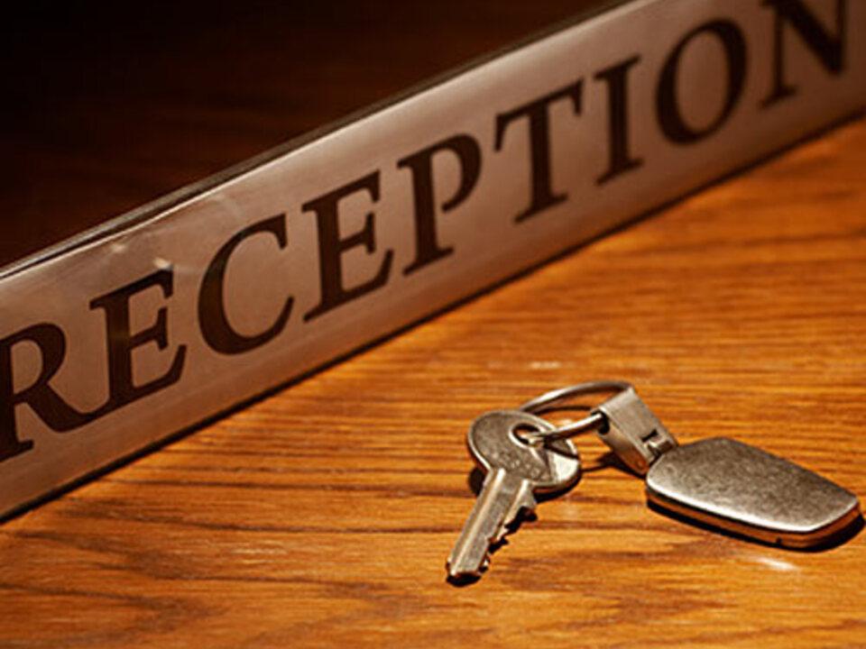 reception_hotel_rezeption_schluessel_Adam-Gryko-Fotolia_10