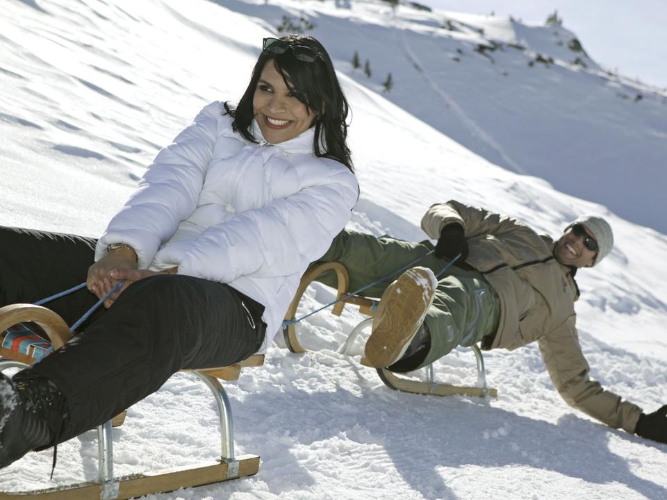rodeln-winter-schnee