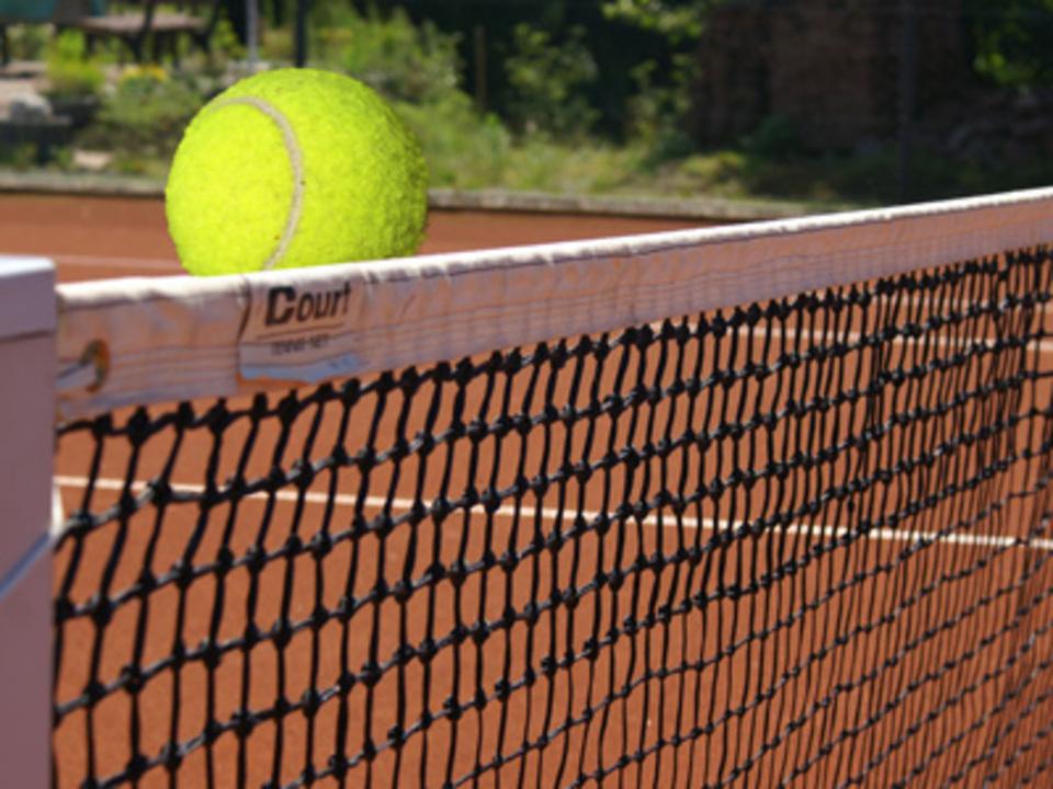 tennis_Stephanie-Hofschlaeger_pixelio.de_08
