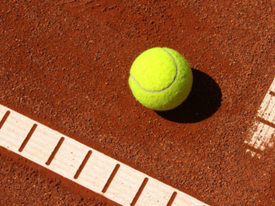 tennis_Stephanie-Hofschlaeger_pixelio.de__2__24