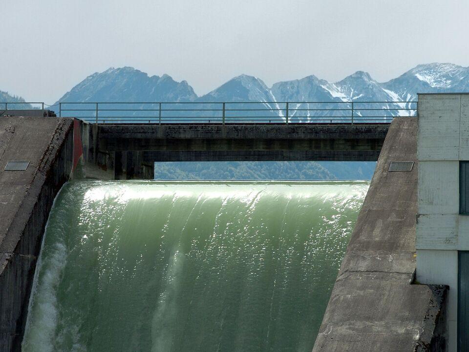 wasserkraft strom kraftwerk