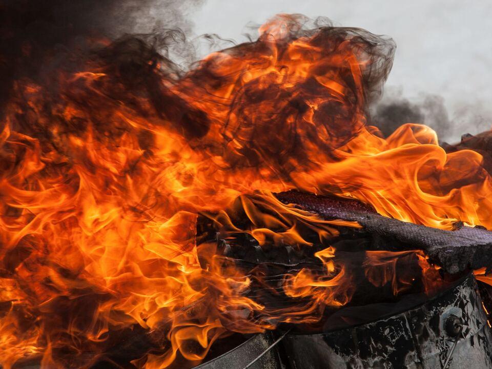 THEMENBILD, Feuer leer, Feuerwehr feuer brand flammen