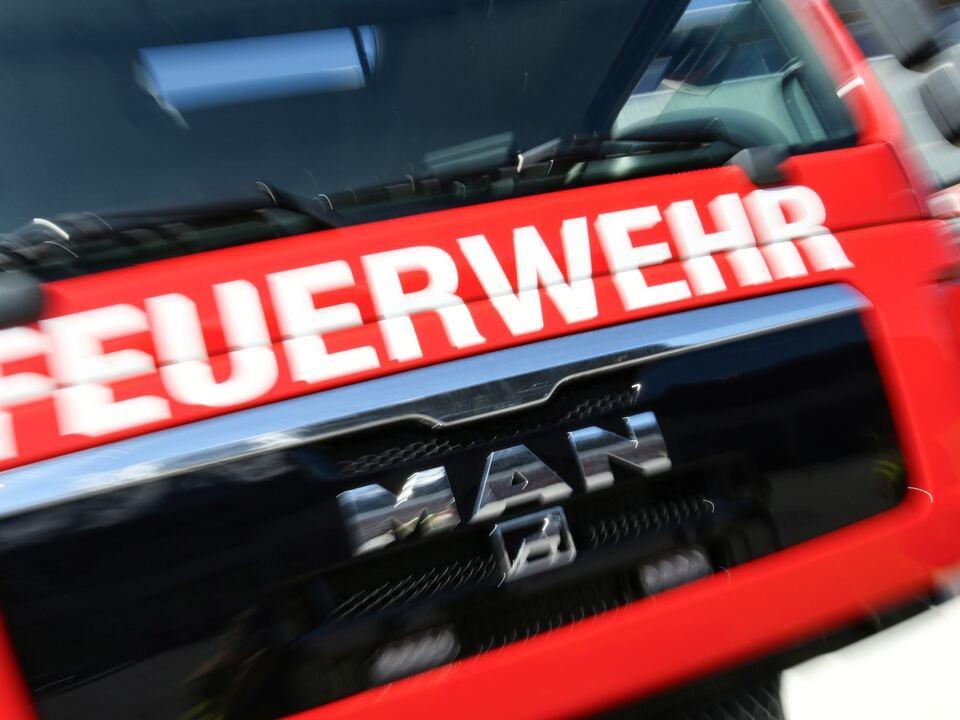 THEMENBILD, Feuerwehr leer brand sym
