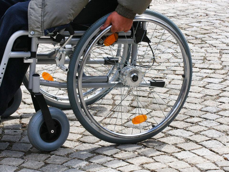 Rollstuhl_Albrecht-E.-Arnold-pi_15