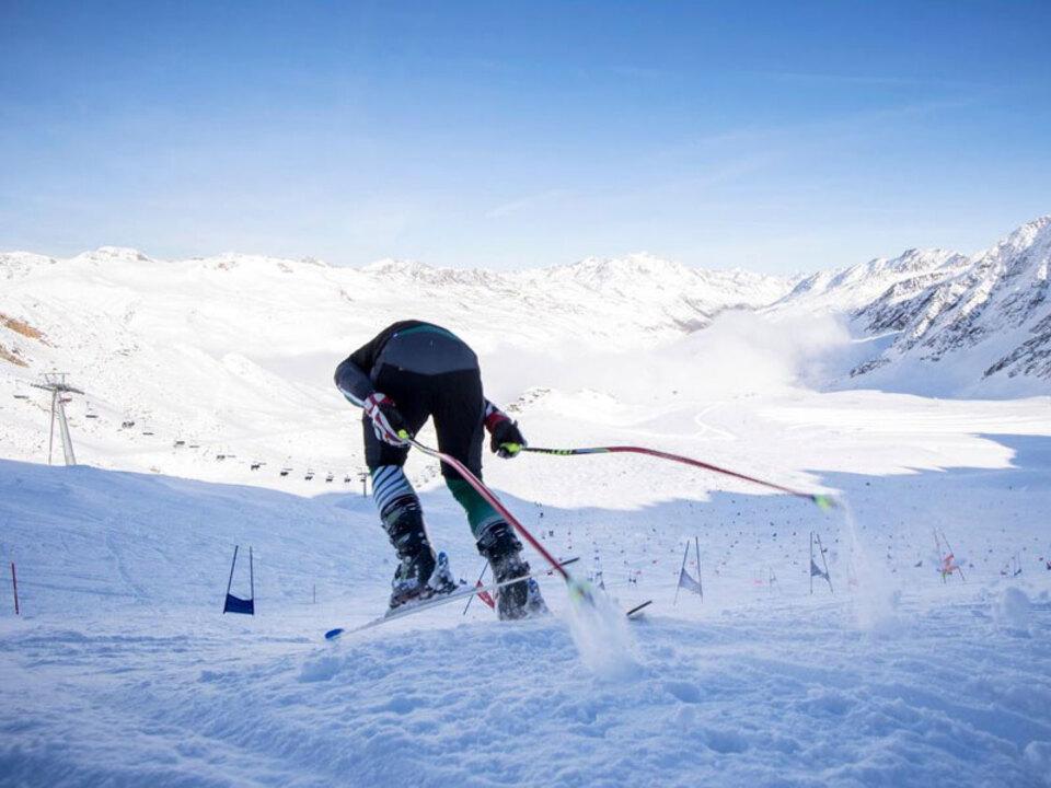 Schnalstaler_Gletscherbahnen___Alex_Filz_und_Verband_der_Suedtiroler_Berg-_und_Skifuehrer-meisterschaft-bergfuehrer_01