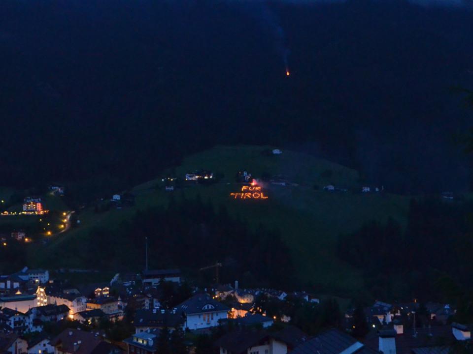 Schu__776_tzenkompanie-St.-Ulrich2015-06-14_fuer_Tirol_Ronc