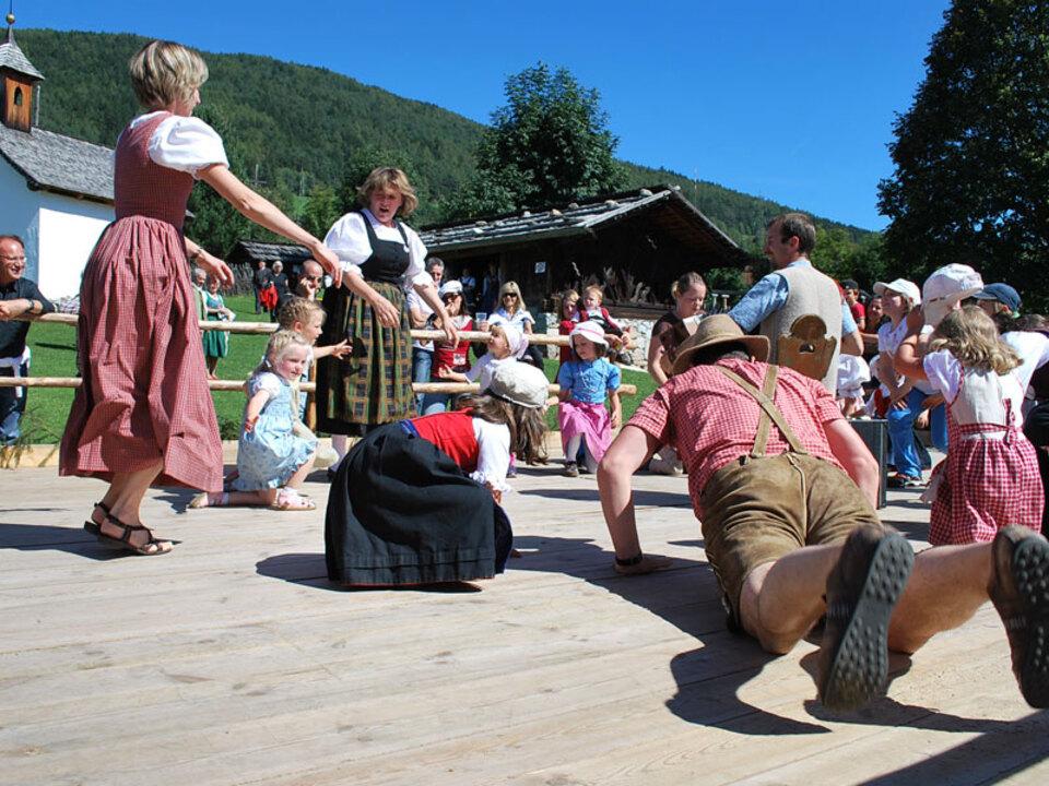 Suedtiroler_Landesmuseum_fuer_Volkskunde-musik-tanz