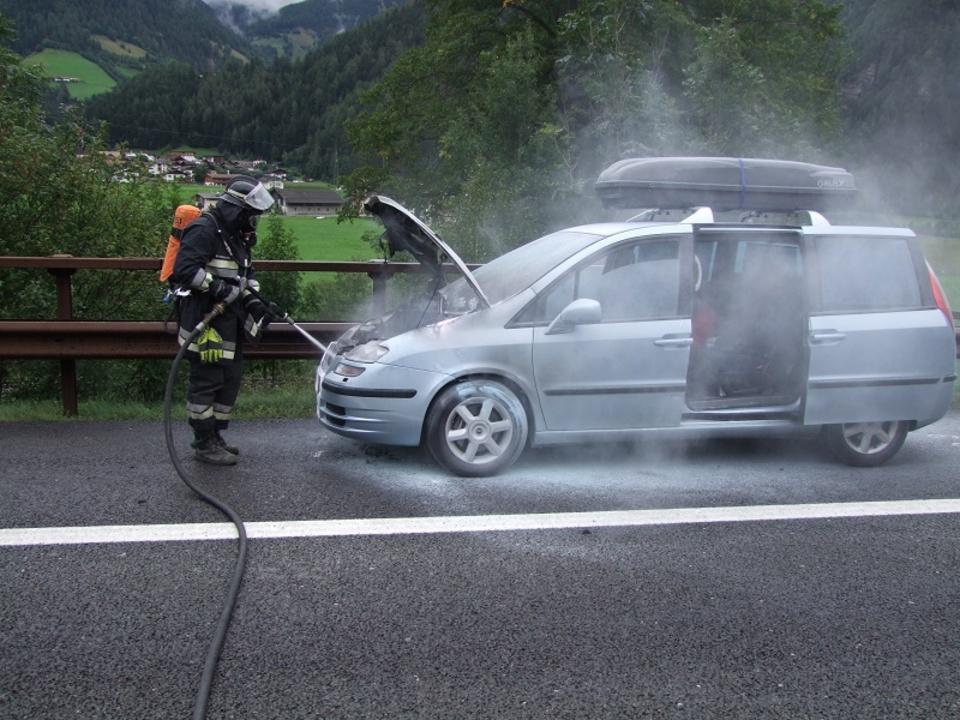 Unfall_A22_Brand_Hybridauto_FF_Sterzing