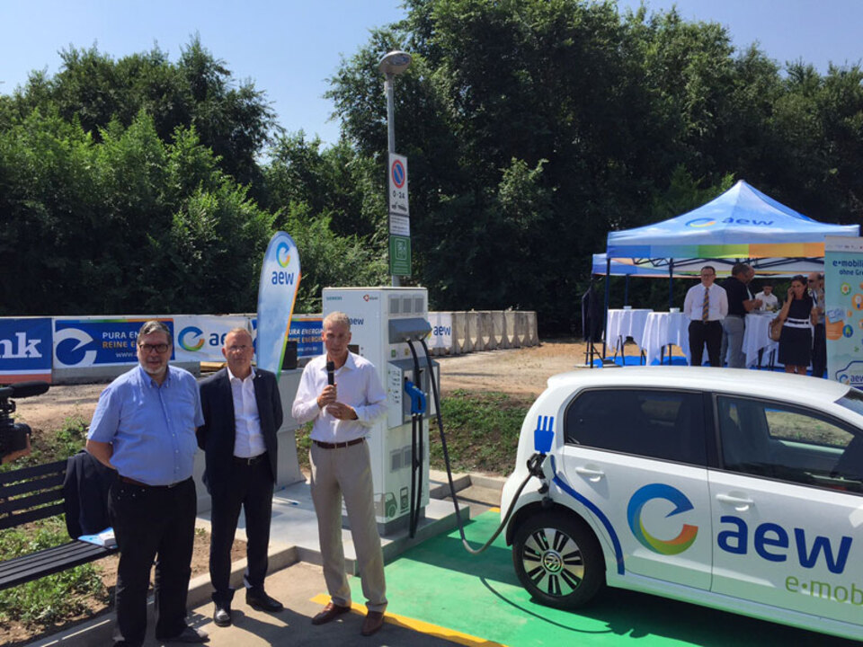 aew-Supercharger