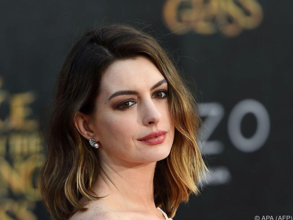 Anne Hathaway wurde im März Mutter eines Sohnes