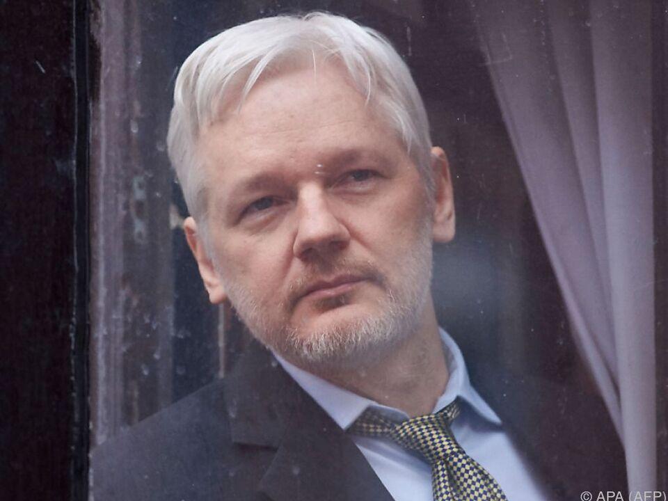 Assange befindet sich noch immer in der ecuadorianischen Botschaft in London