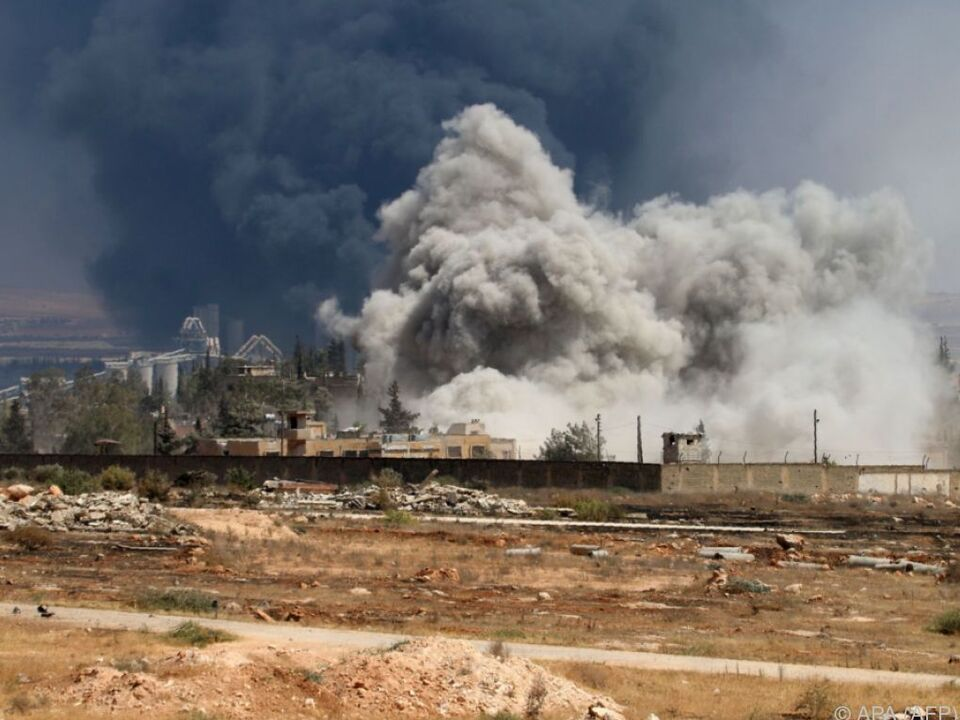 Bombardierungen auch am Freitag