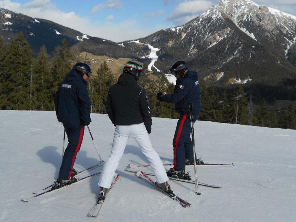 cara-piste-skilehrer