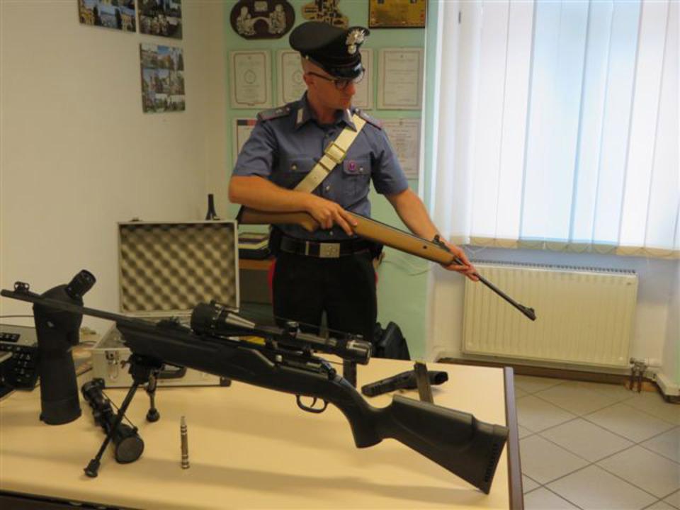 carabinieri-klausen-waffen
