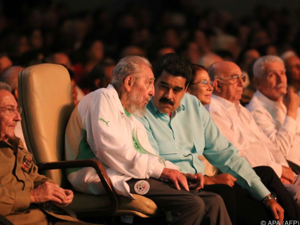 Castro nahm an der Gala einer Kindertheaterkompanie teil
