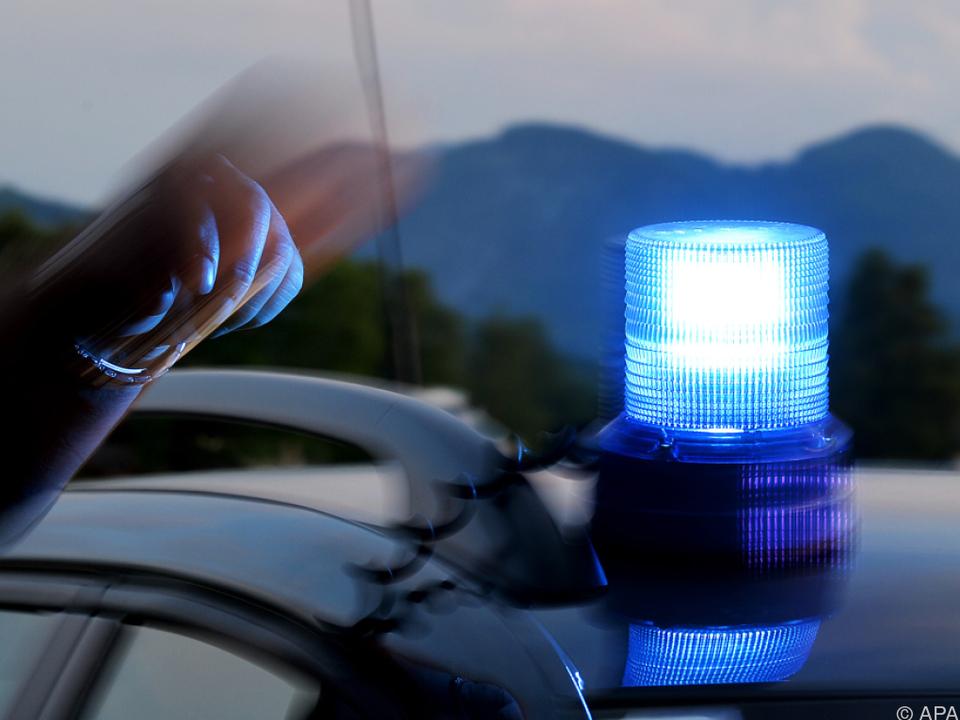 Polizei Blaulicht Der Mann war der Aufforderung zum Anhalten nicht gefolgt