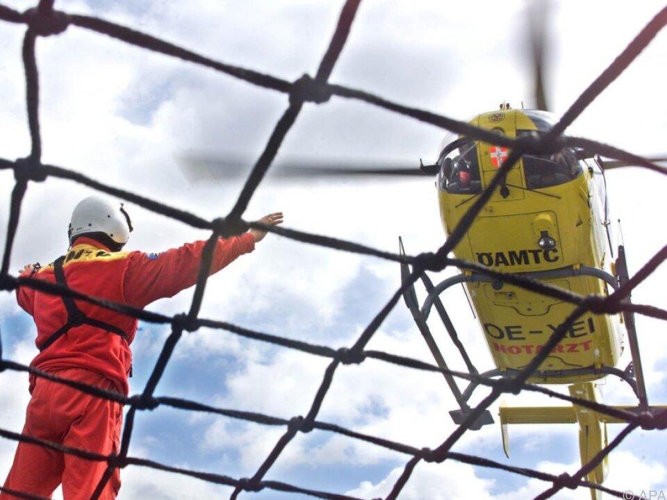 Der Schwerverletzte wurde mit dem Hubschrauber geborgen