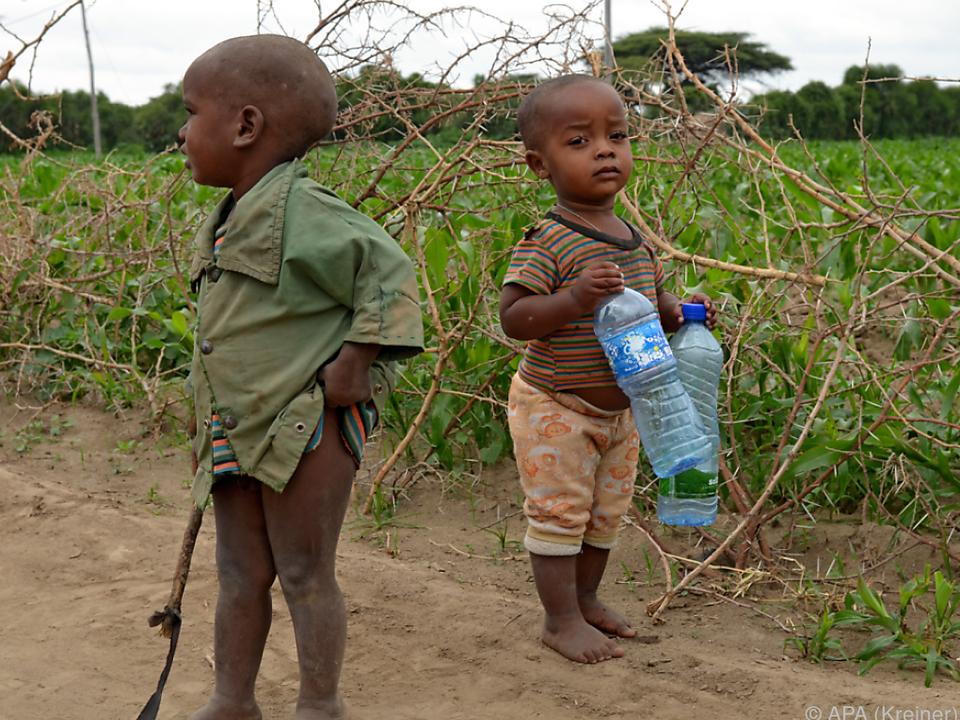 Die Kinder sind von der Hungersnot am meisten betroffen afrika