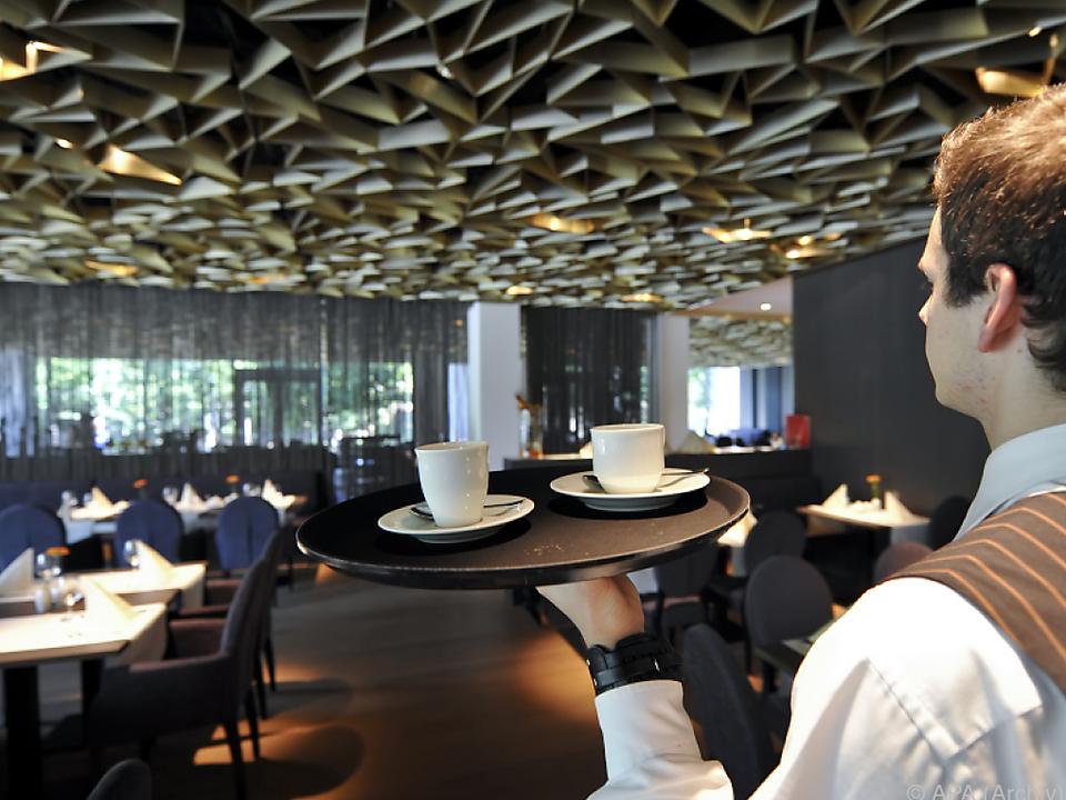 kellner caffee kaffee gastronomie Die teilweise schlechten Arbeitsbedingungen sind Schuld am Rückgang