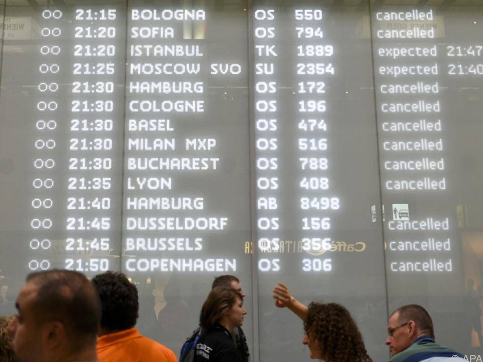 Dutzende Flüge fielen aus oder waren verspätet
