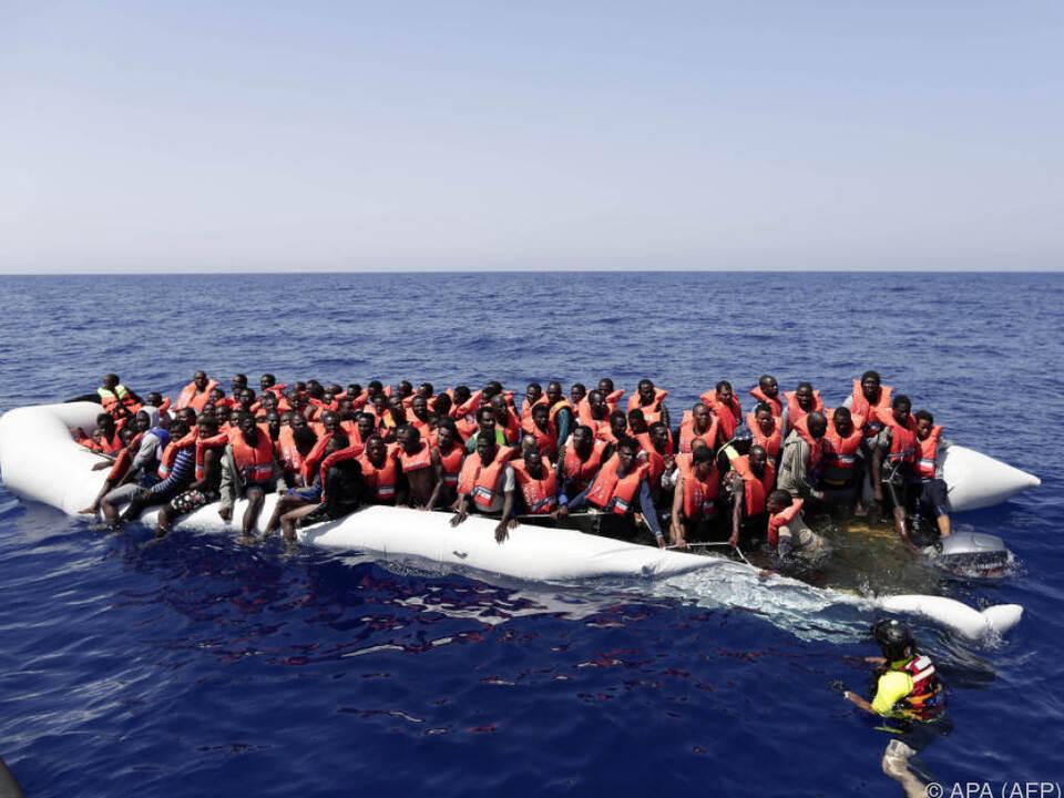 Erneut Rettungseinsätze der italienischen Küstenwache