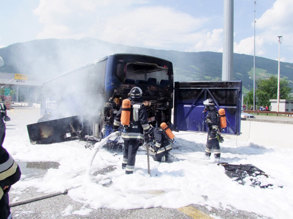 ff-sterzing-reisebus-feuer-2