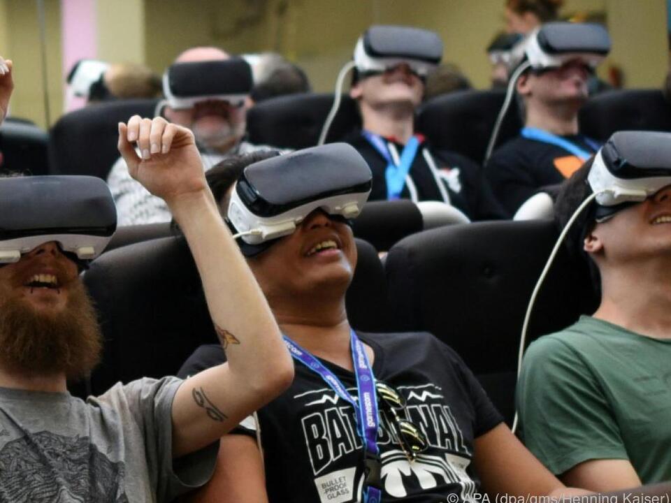 virtual reality brille Samsung setzt bei seinen VR-Brillen auf immer stärkere Smartphones