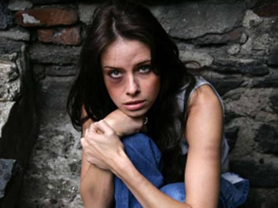 gewalt_stalking_vergewaltigung_stockfoto4you_iStock_04