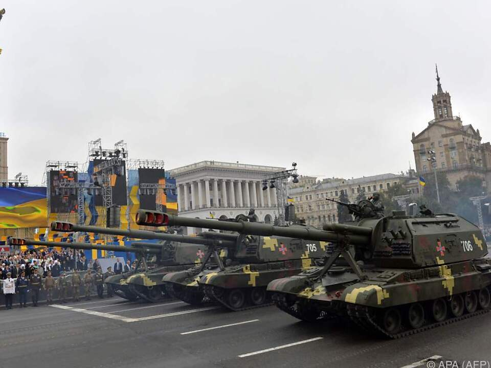 Große Militärparade in der Hauptstadt