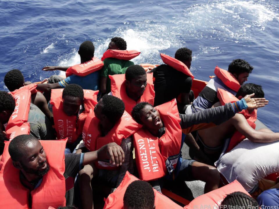 Immer mehr Flüchtlinge wagen die gefährliche Überfahrt