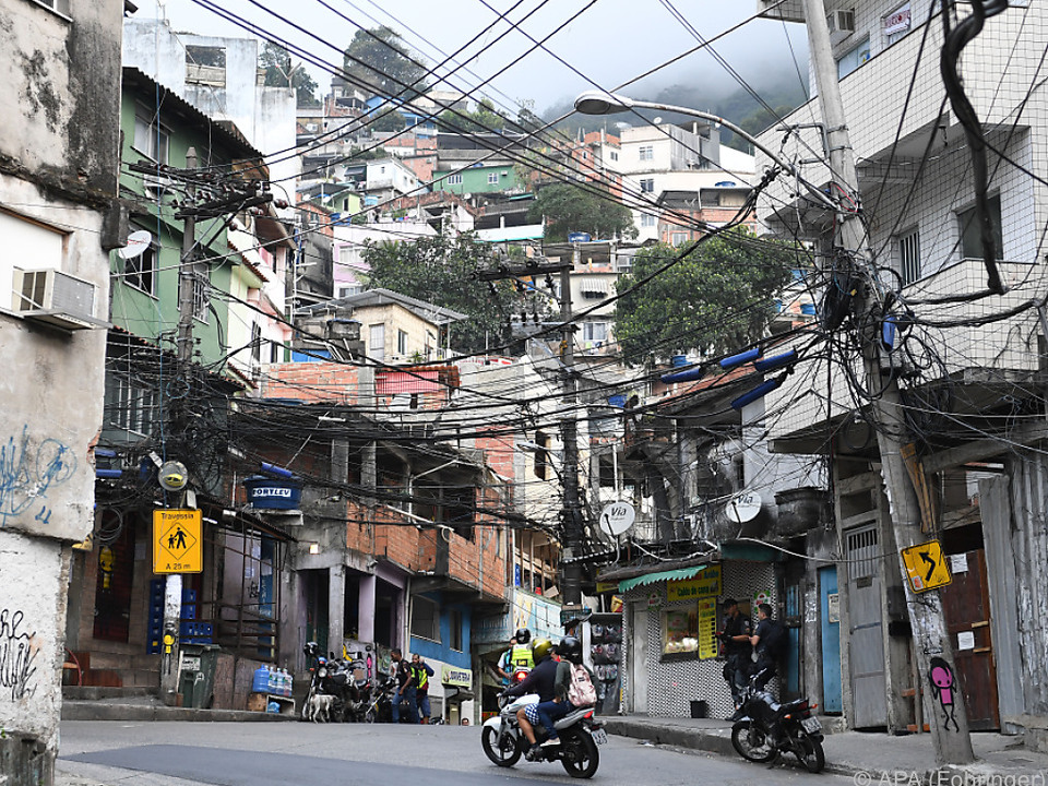 In den Favelas fehlt Geld, das für den Bau von Stadien ausgegeben wurde