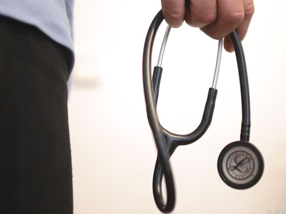 arzt Mediziner wollen weitere Gespräche