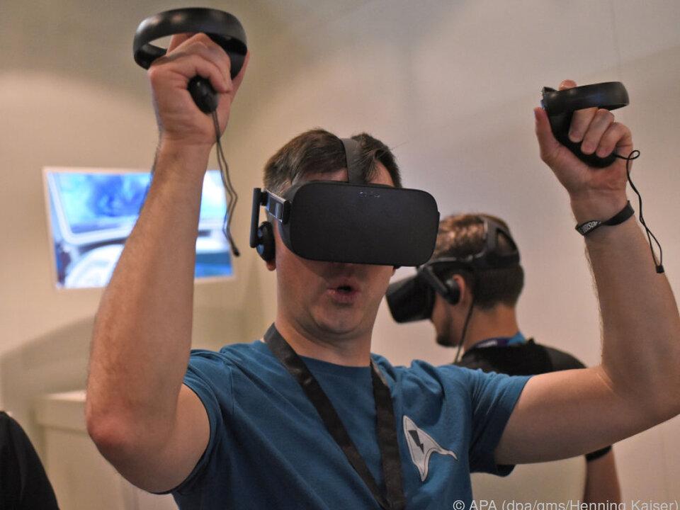 Die Handgriffe werden im Spiel zu virtuellen Händen des Spielers