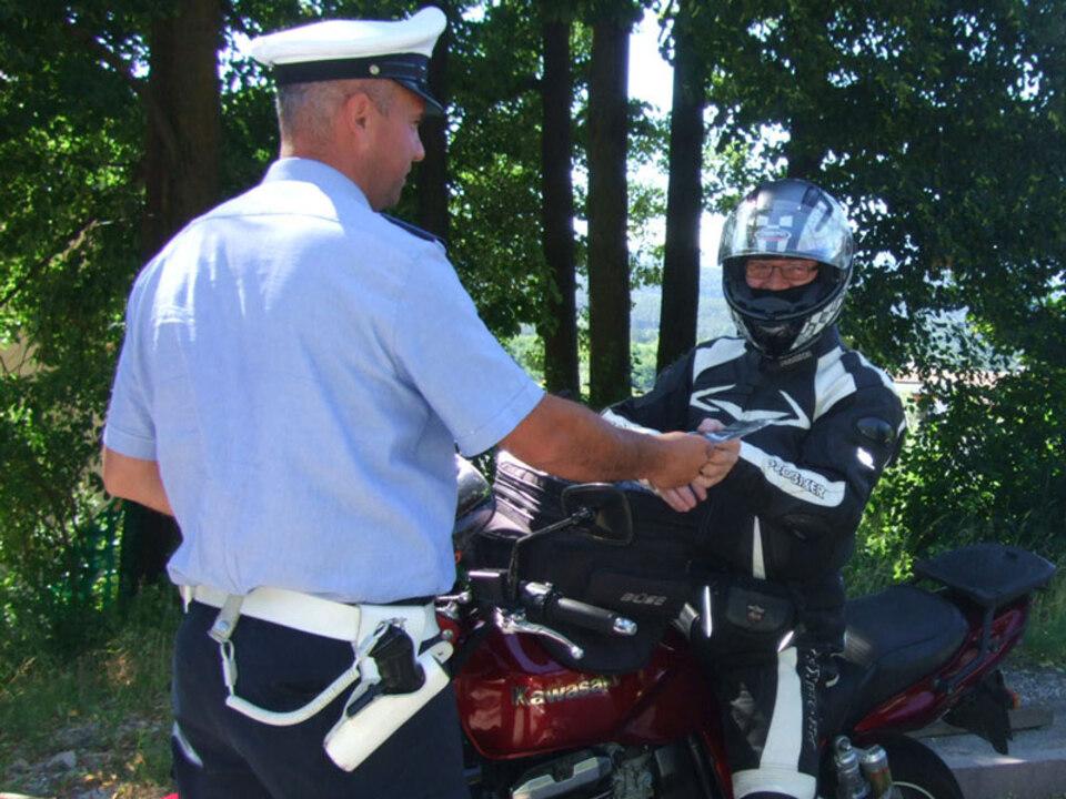 nocredit-poliziaappiano_kontrolle_gemeindepolizei_motorrad_lpa_02