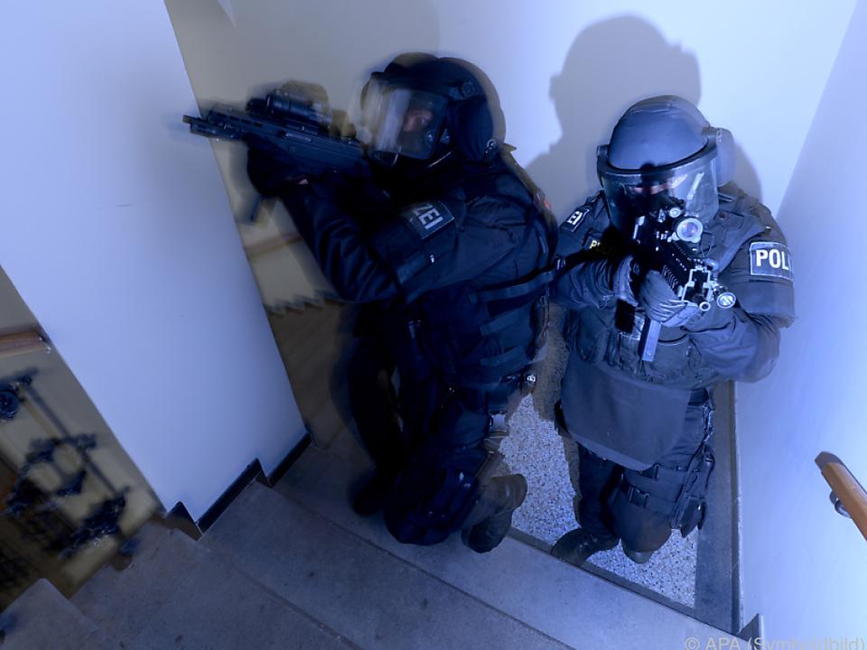 polizei österreich Mutter öffnete den Cobra-Männern die Tür