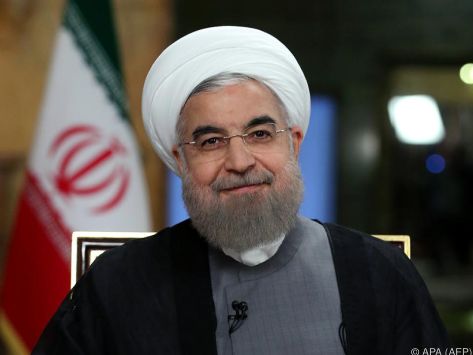 Präsident Rouhani präsentierte die neuen Raketen