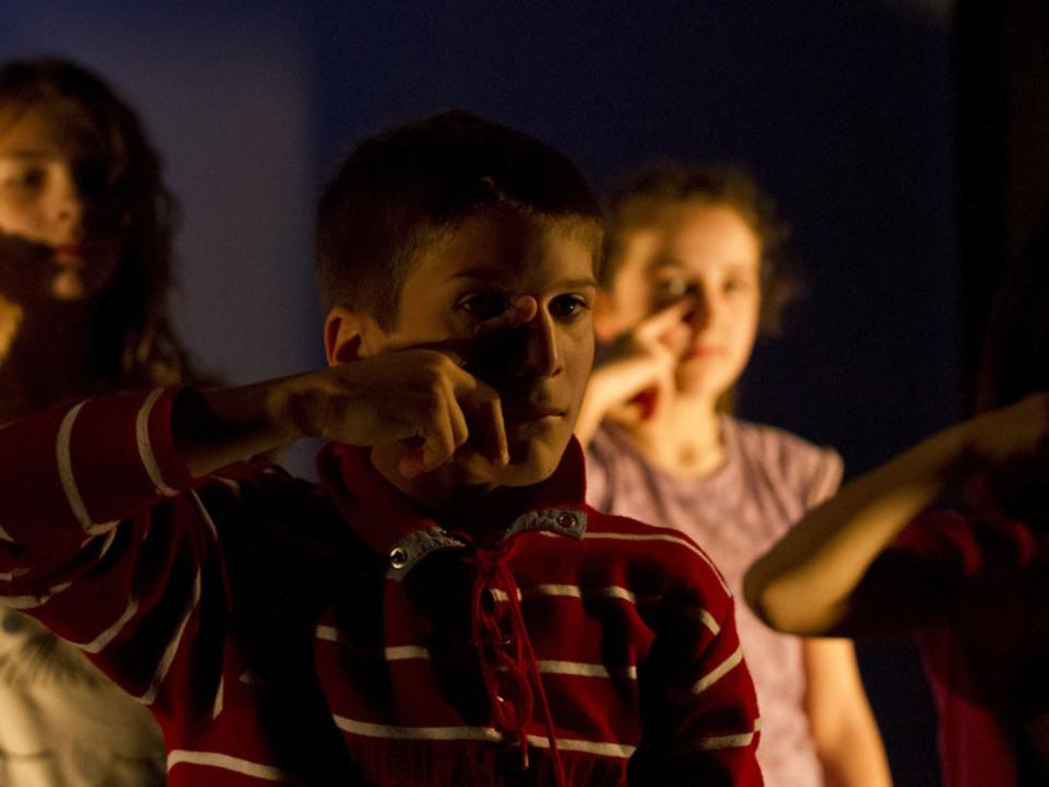 schule-theater-Damian-L.-Pertoll---Archiv-Theatraki