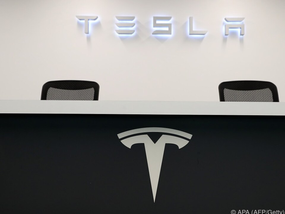 Tesla arbeitet an leistungsstärkeren Batterien