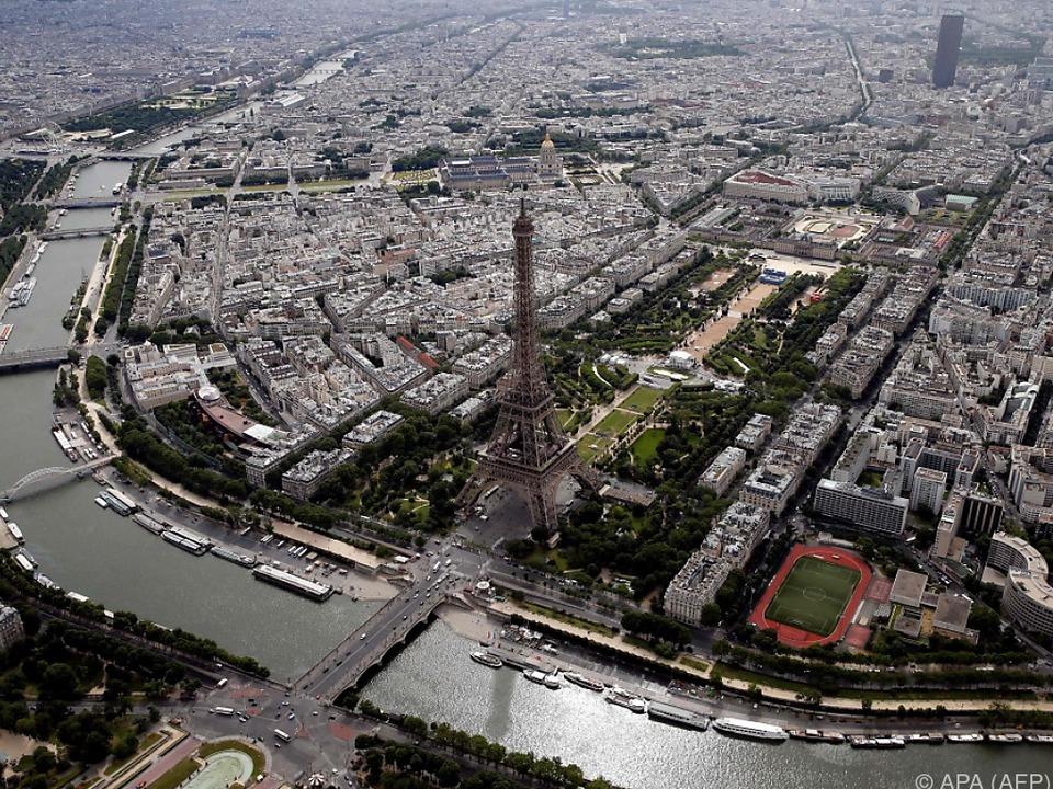 Tourismuseinbußen in der Stadt der Liebe paris eifelturm